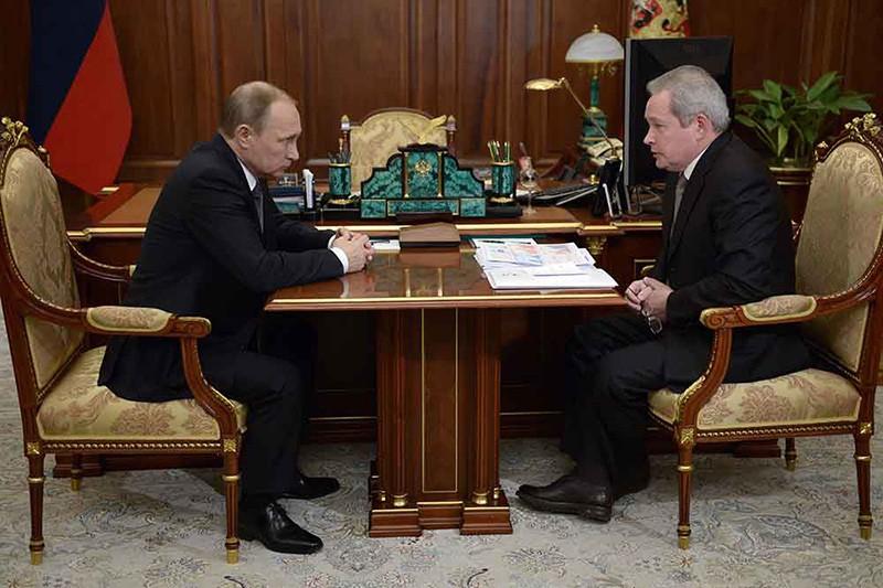 Президент России Владимир Путин и губернатор Пермского края Виктор Басаргин во время встречи в Кремле