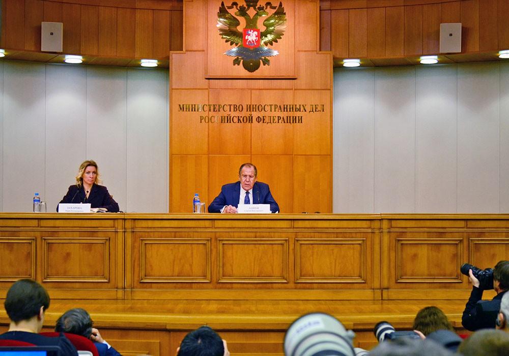 Глава МИД России Сергей Лавров на пресс-конференции