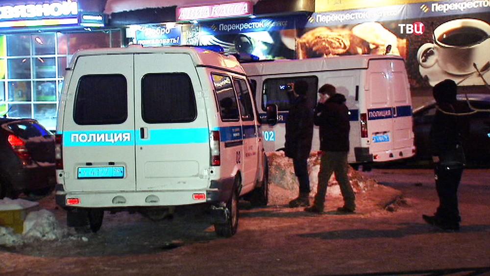 Машина полиции на месте происшествия в Люблино