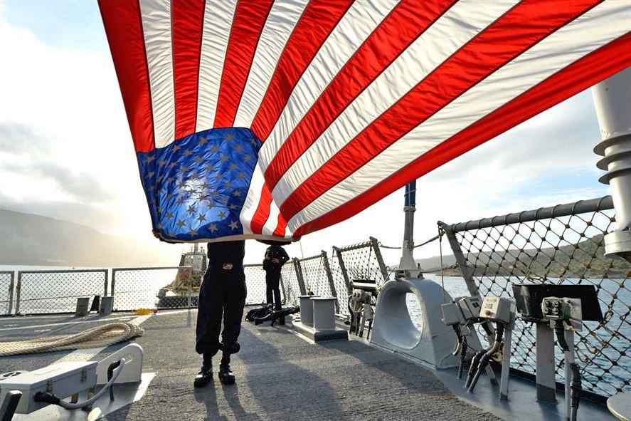 Флаг США на военном корабле