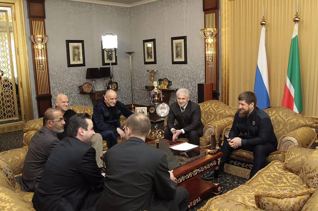 Кадыров сообщил об открытии первого исламского банка в Грозном