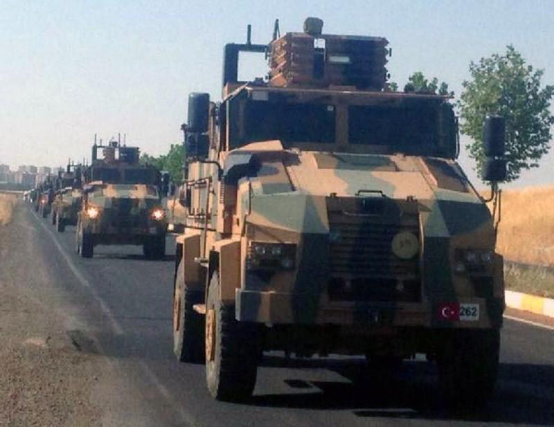 Колонна военной техники турецкой армии