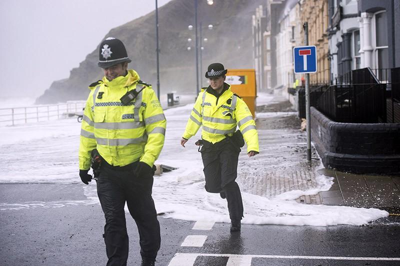 Полиция Великобритании во время урагана