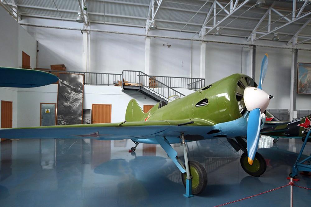 Истребитель И-16 конструкции Н.Н. Поликарпова в музее авиации в Монино