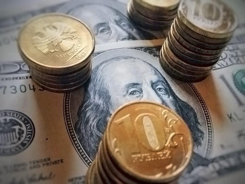 Мнения экспертов по нефти и рублю понадобилось всего