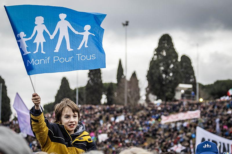 Митинг против однополых семей