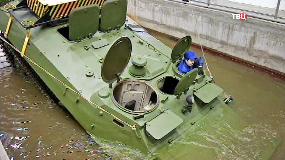 Испытание военной техники на заводе