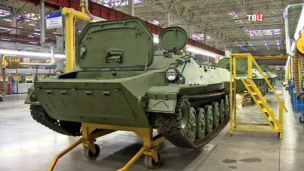 Производство военной техники на заводе