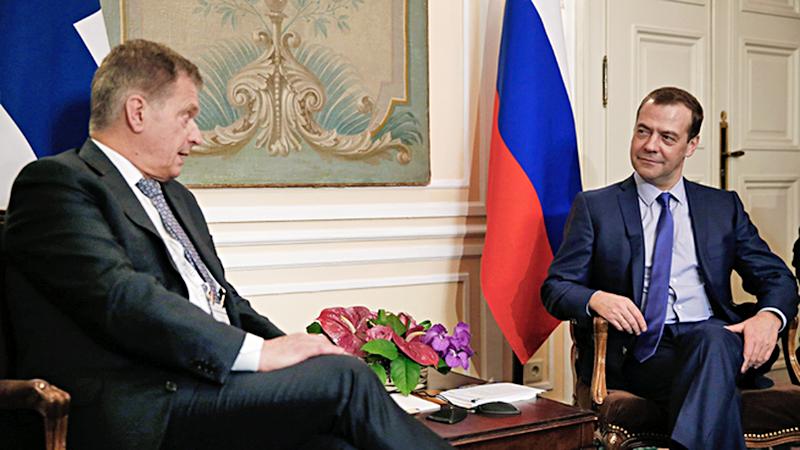 Дмитрий Медведев с президентом Финляндии Саули Ниинистё