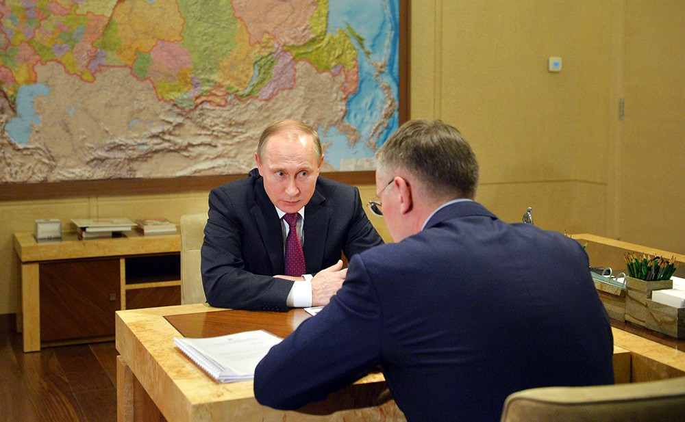 Президент России Владимир Путин и губернатор Ненецкого автономного округа Игорь Кошин