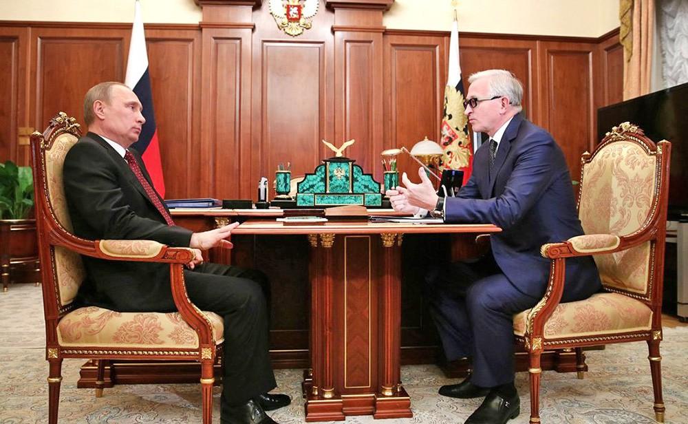Президент России Владимир Путин и президент Российского союза промышленников и предпринимателей Александр Шохин