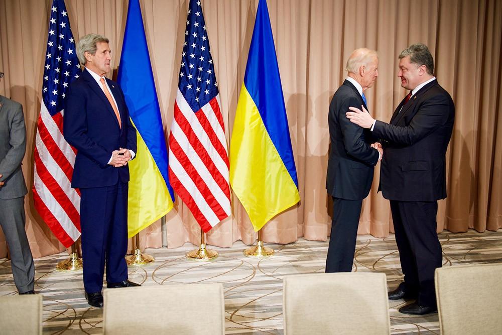 Джон Керри, Джо Байден и Пётр Порошенко