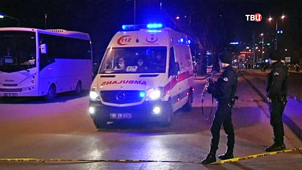Скорая помощь на месте происшествия в Турции