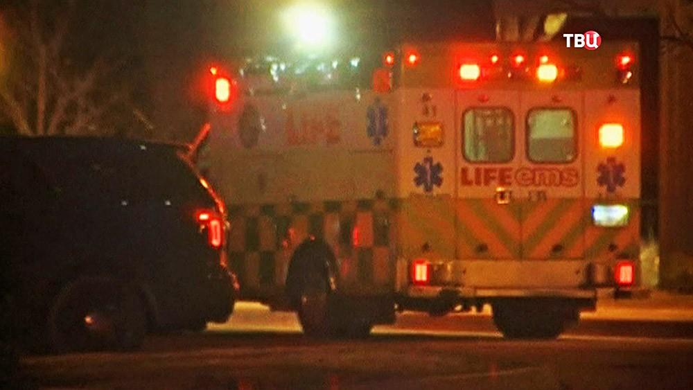 Машина скорой помощи США на месте происшествия