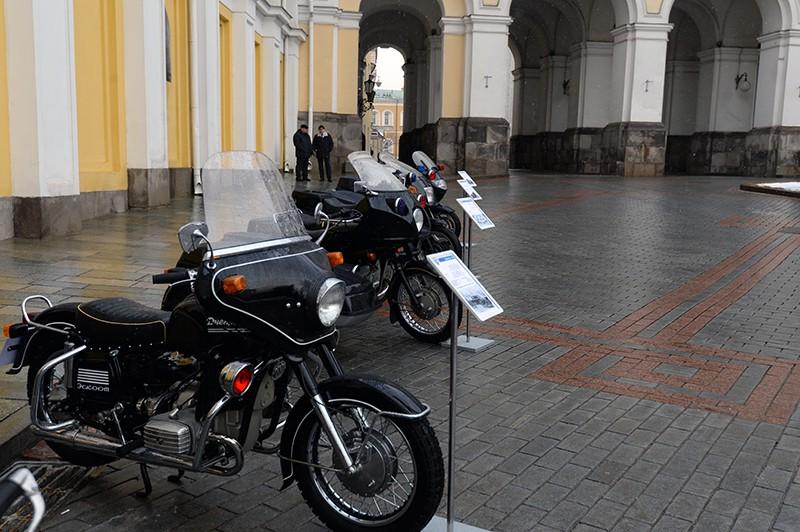 Эскортный мотоцикл Днепр 14 (выпускался с 1972 по 1978 гг.)