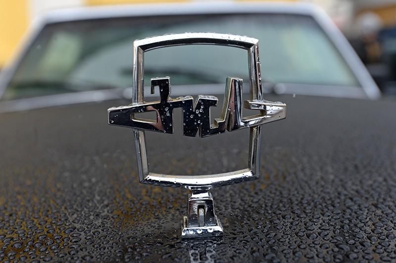 Эмблема автомобиля ЗИЛ 41072