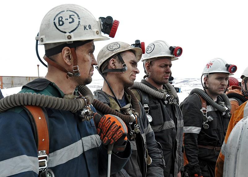 """Горноспасатели у шахты """"Северная"""" в Воркуте"""