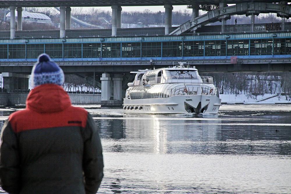 Навигация на реке Москва