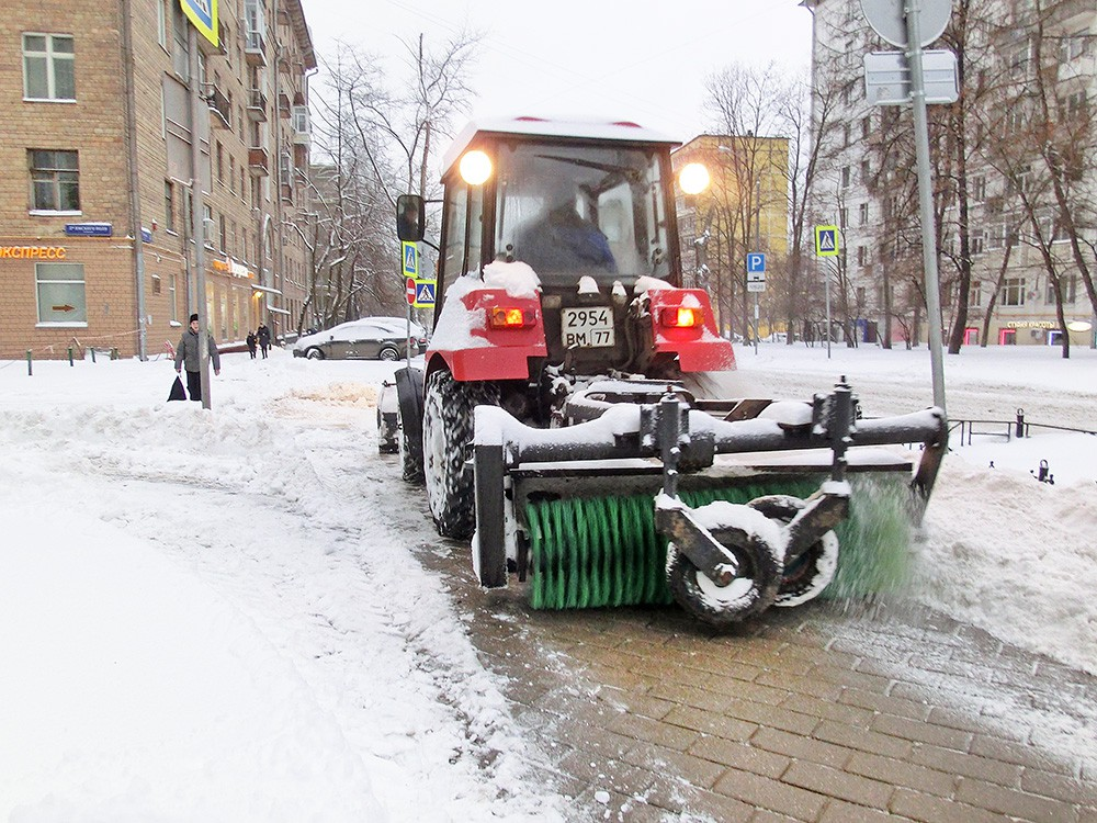 Устранение последствий снегопада в Москве