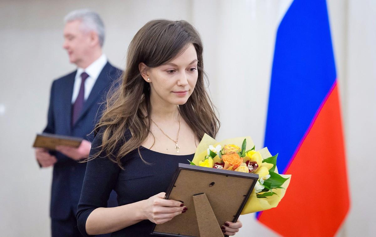 Сергей Собянин награждает сотрудниц московских учреждений и организаций