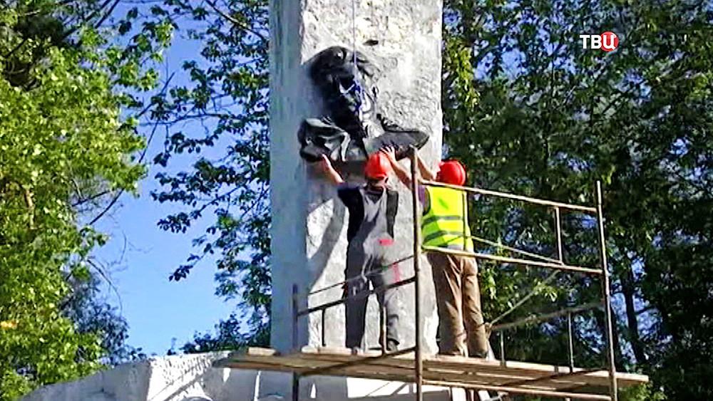 Снос памятников генерал ли