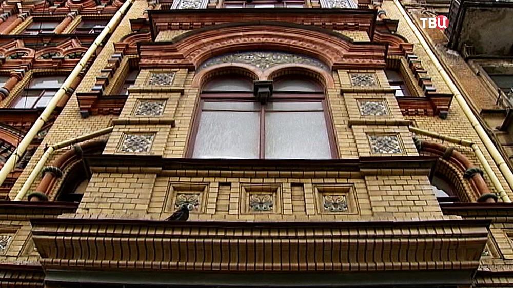 Фасад исторического здания в Санкт-Петербурге