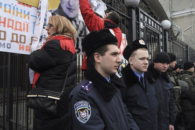 Акция протеста у посольства России в Киеве