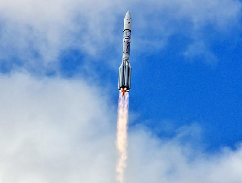 """Старт ракеты """"Протон-М"""""""