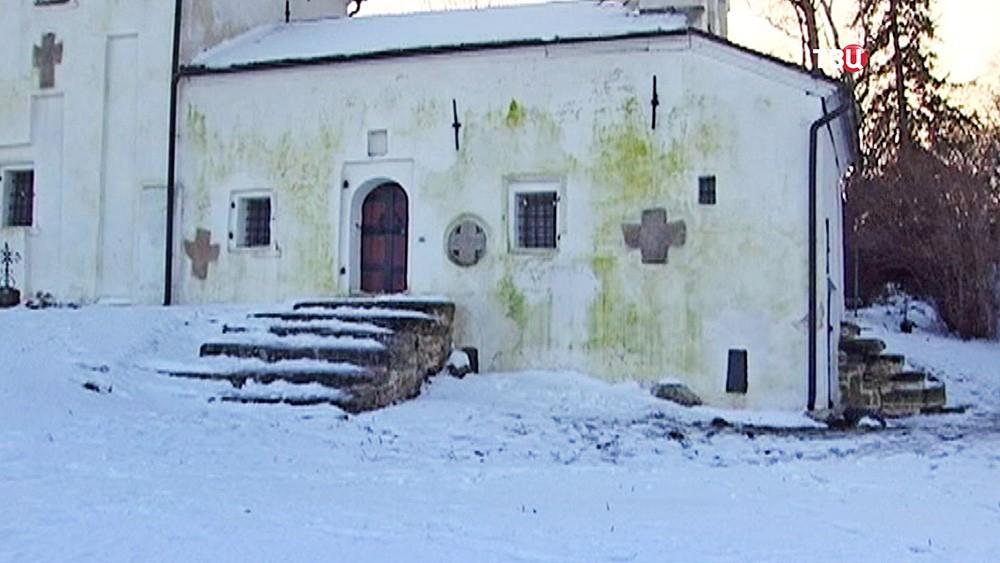 """Последствия реставрации компанией """"Балтстрой"""" церкви в Пскове"""