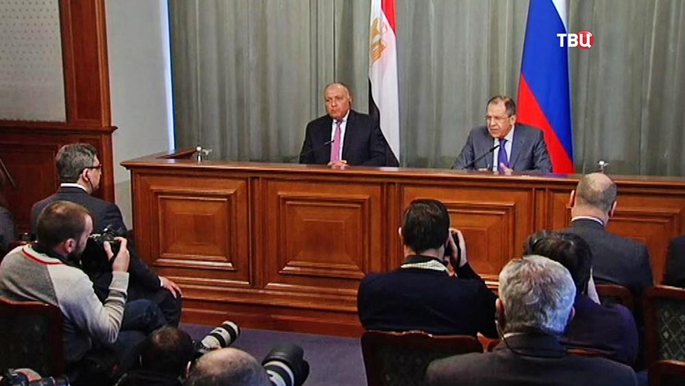 Министр иностранных дел России Сергей Лавров и глава МИД Египта Самех Шукри