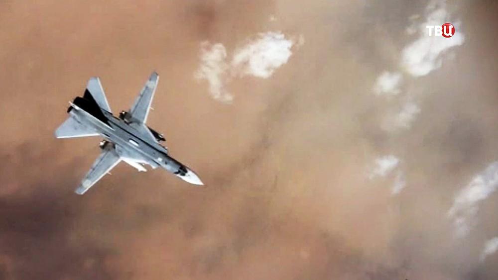 Истребитель Су-24 авиационной группировки ВКС России