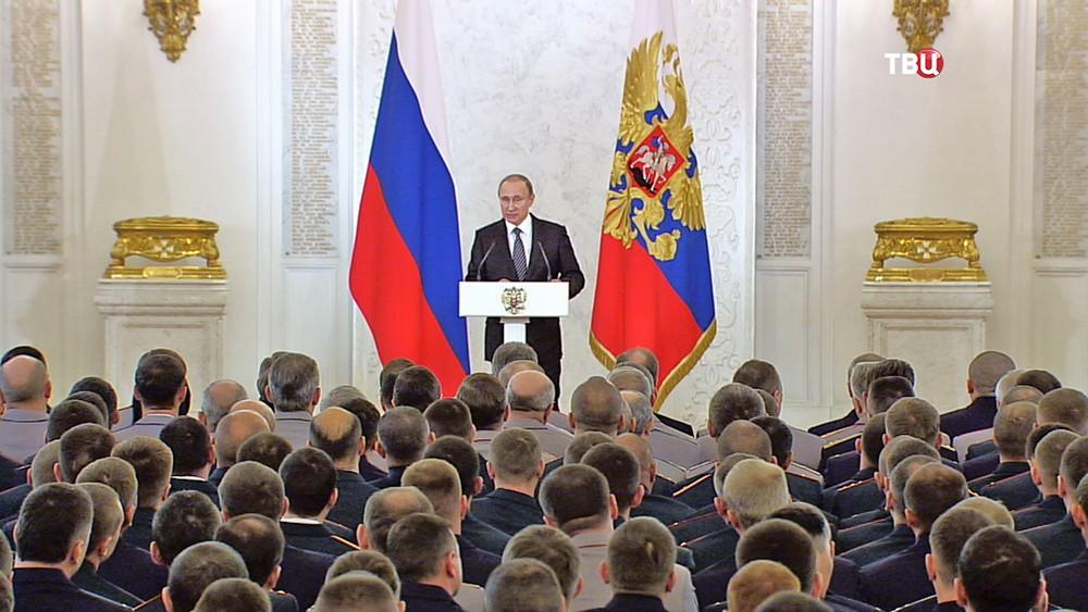 Президент России Владимир Путин на торжественной встрече с военнослужащими Вооружённых Сил России