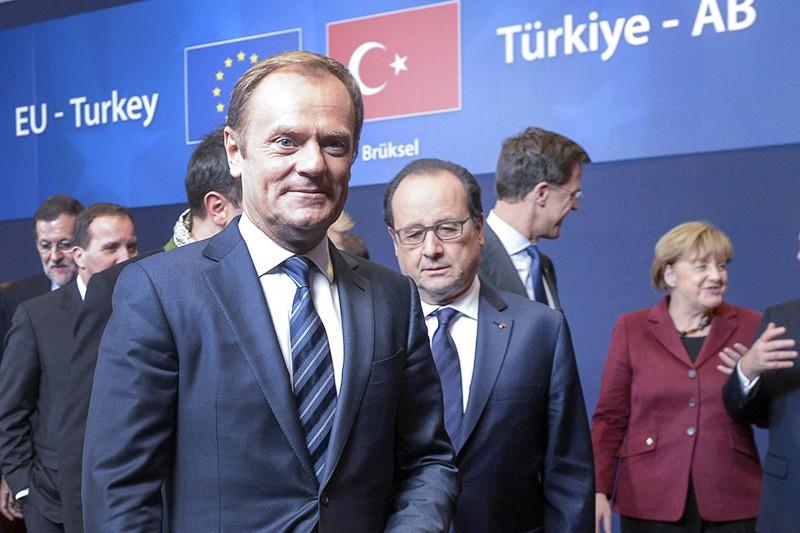 Дональд Туск, Франсуа Олланд и Ангела Меркель на саммите ЕС