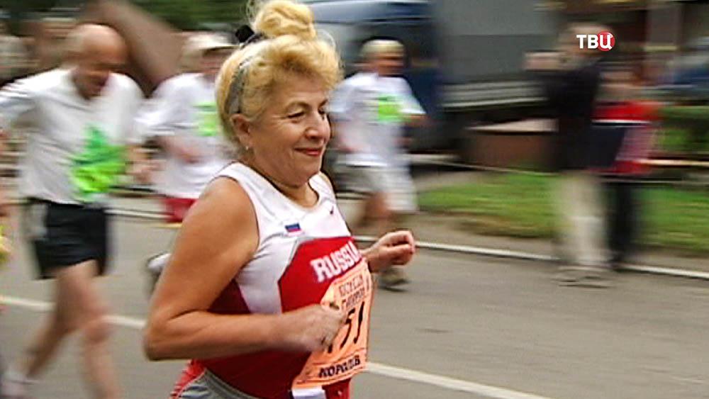 Пенсионеры принимают участие в забеге