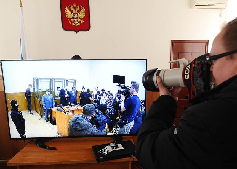 Трансляция заседания Донецкого городского суда, где продолжается оглашение приговора по делу гражданки Украины Надежды Савченко