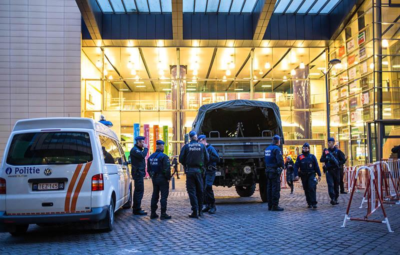 Сотрудники полиции на Центральном вокзале Брюсселя