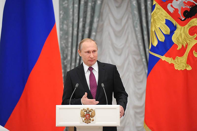Президент России Владимир Путин на церемонии вручения в Кремле премии президента для молодых деятелей культуры