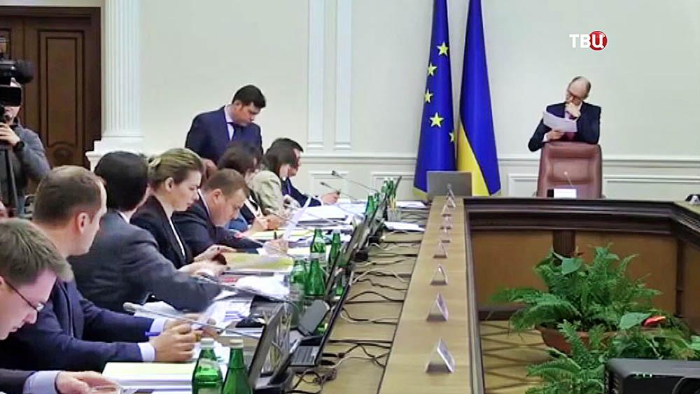 Арсений Яценюк на заседании правительства