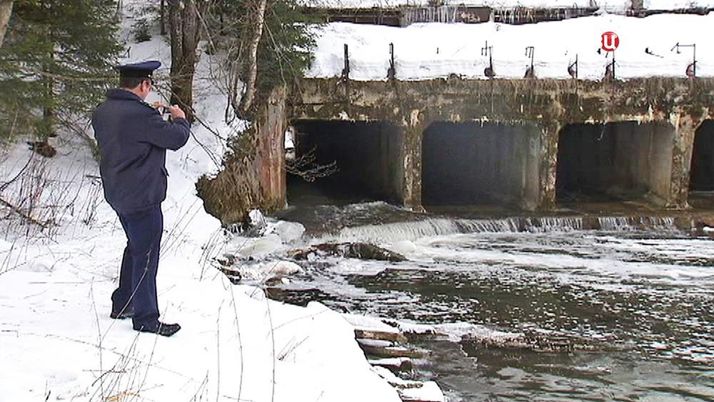 Экологи фиксируют факты загрязнения реки