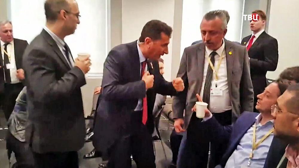 Охрана Эрдогана препятствует работе журналистов