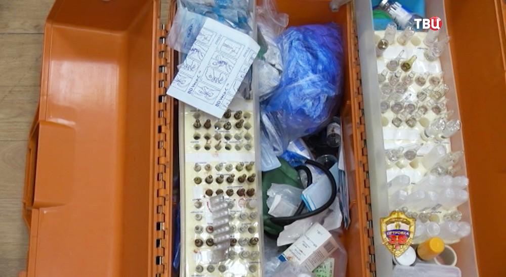Содержимое чемодана врача скорой медицинской помощи