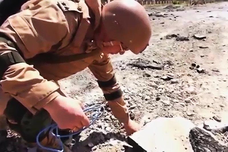Работа специалистов противоминного центра ВС России в Сирии