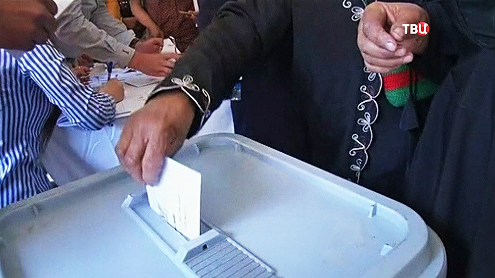 Врио президента Узбекистана проголосовал навыборах