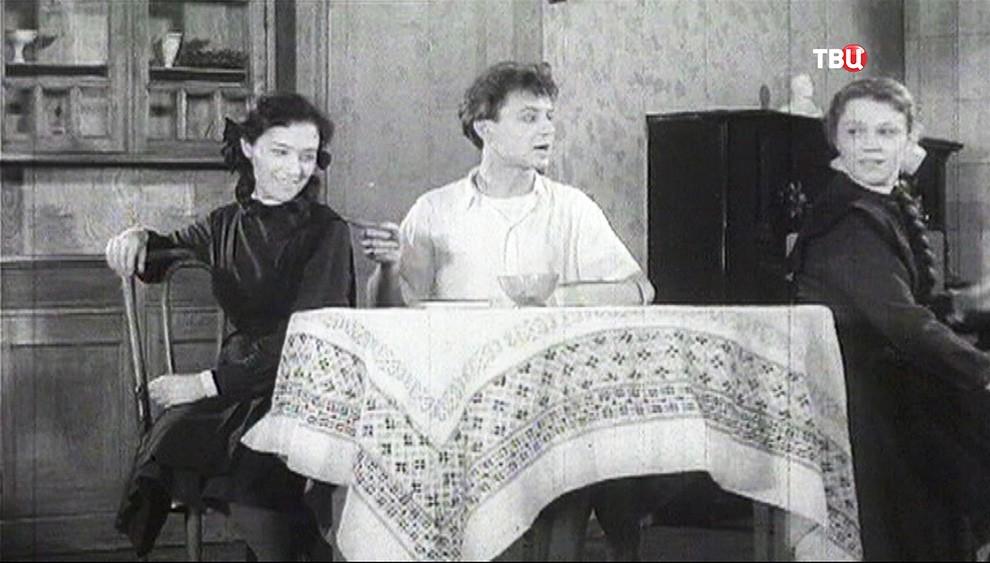Олег Табаков в театральной постановке