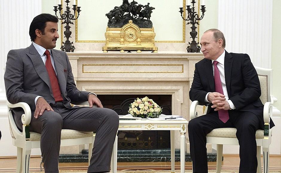 Президент России Владимир Путин и эмир Катара Тамим бен Хамад Аль Тани