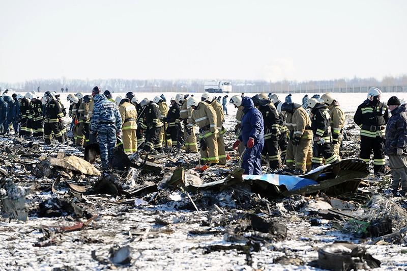 На месте крушения пассажирского самолета Boeing-737-800