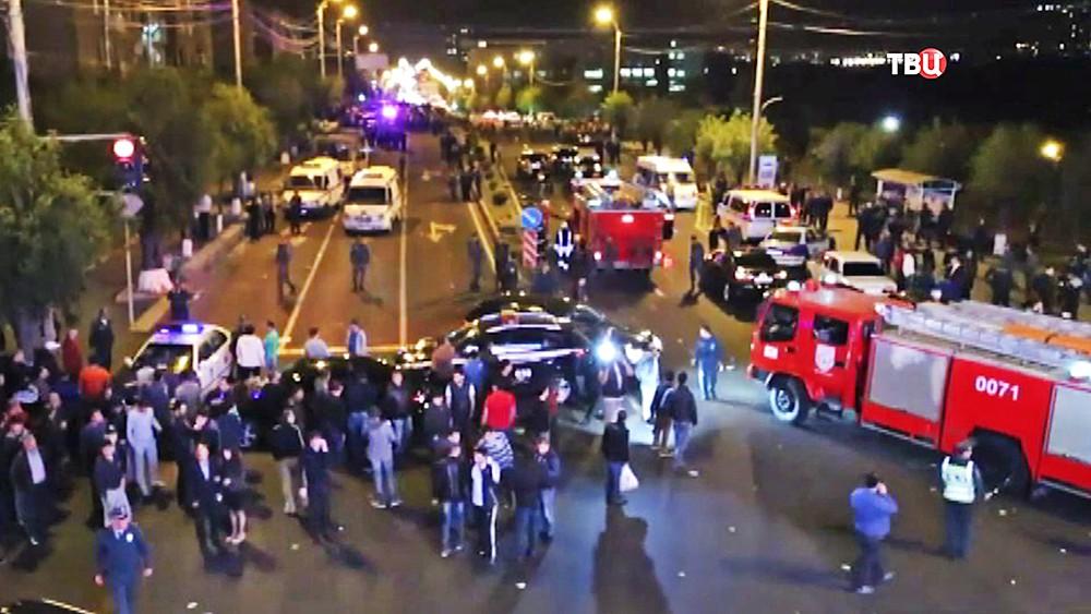 Экстренные службы Армении на месте происшествия