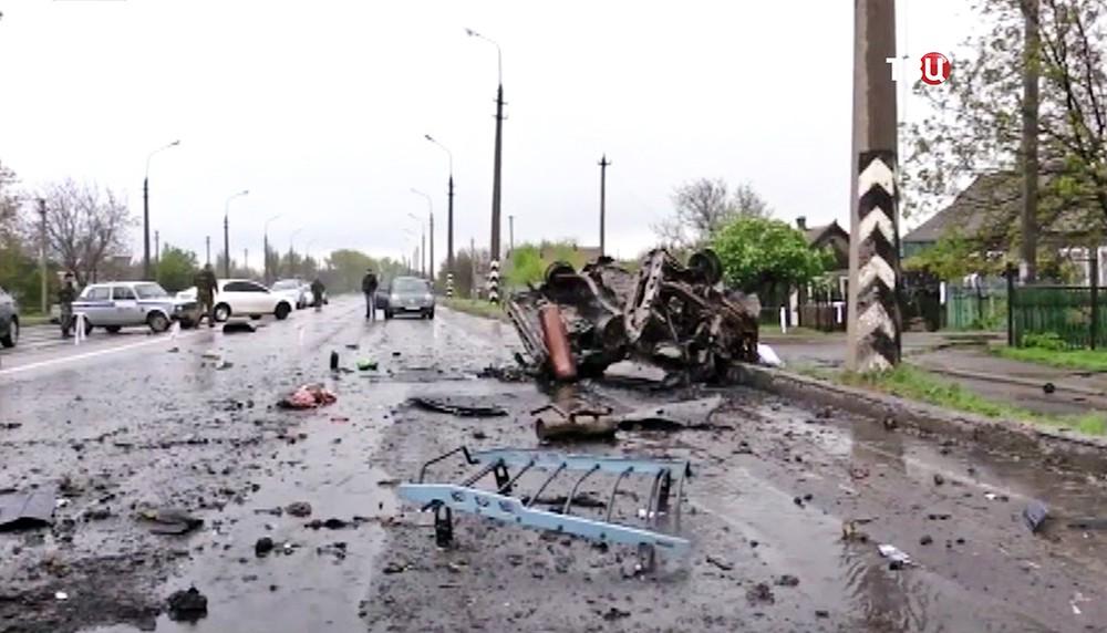 Последствия обстрела жилых районов в Донбассе