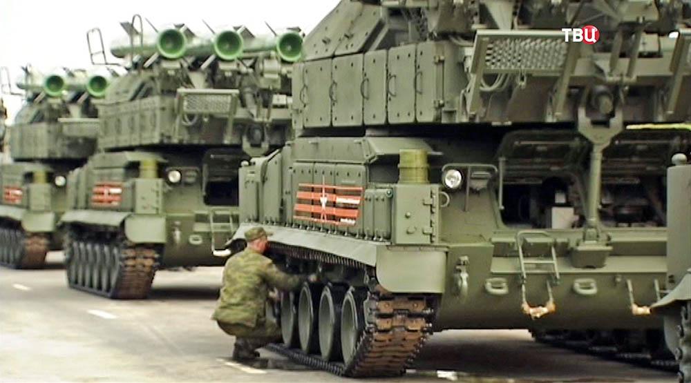 Военная техника на репетиции парада