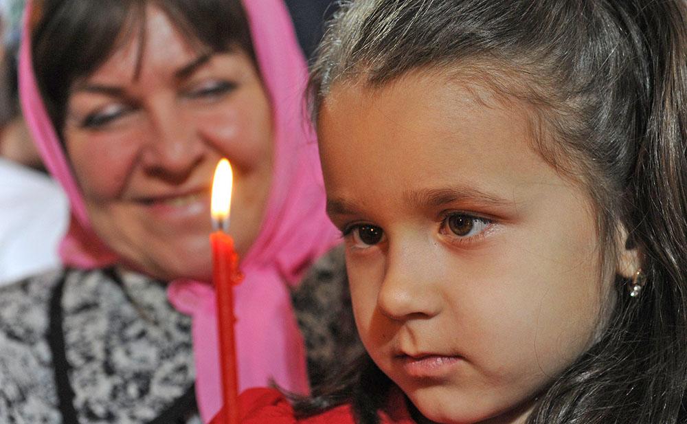 Православные верующие отмечают пасху